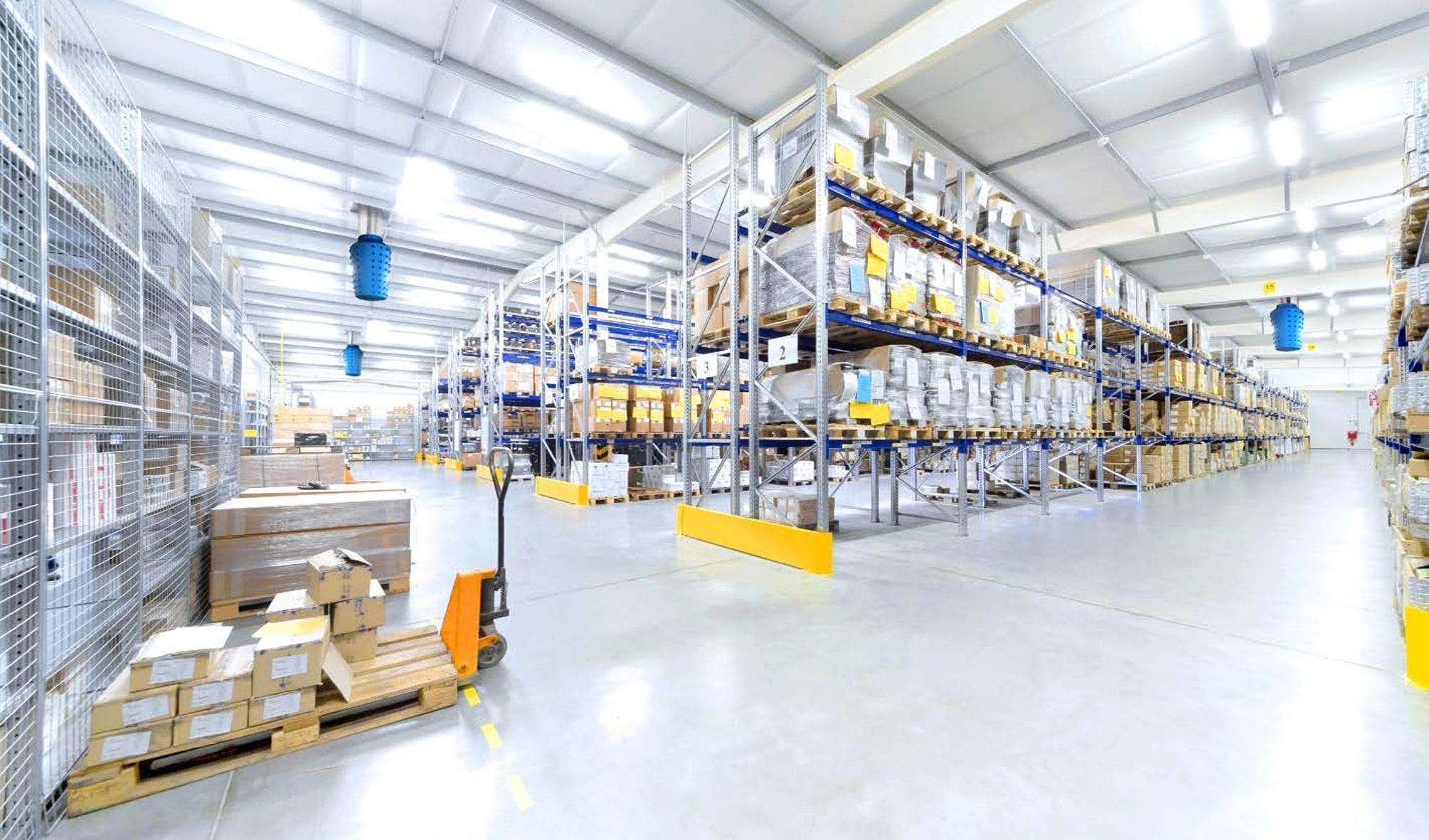 interno magazzino Sistemi raffrescamento aria